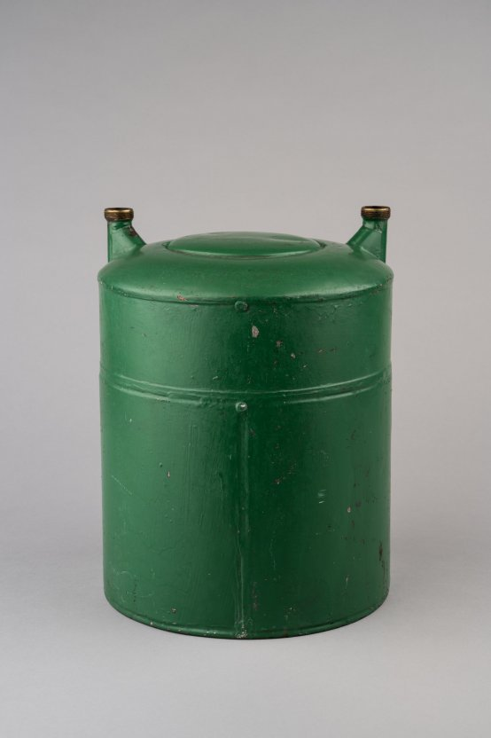 Cylindrical gas meter